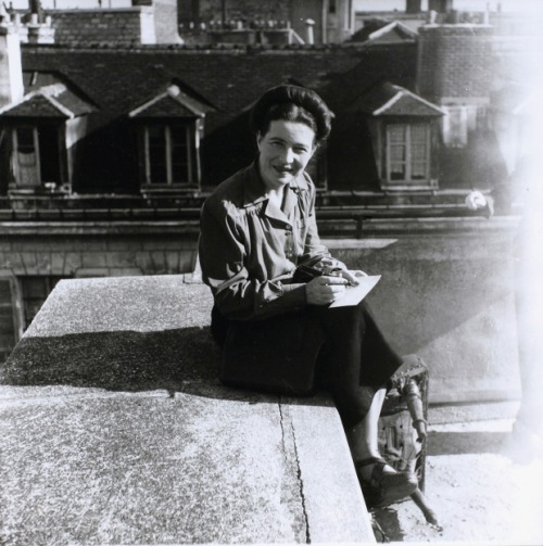 beauvoiriana:  Simone de Beauvoir, Paris, 1946. Photo: Denise Bellon.