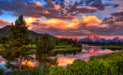 cavalierzee:   ~ Morning Clouds and Color At Oxbow ~By Jeff ClowThis photo was taken on July 17, 2007