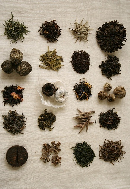 ablogfulloftea:  Various tea leaves 2 by mitayuu