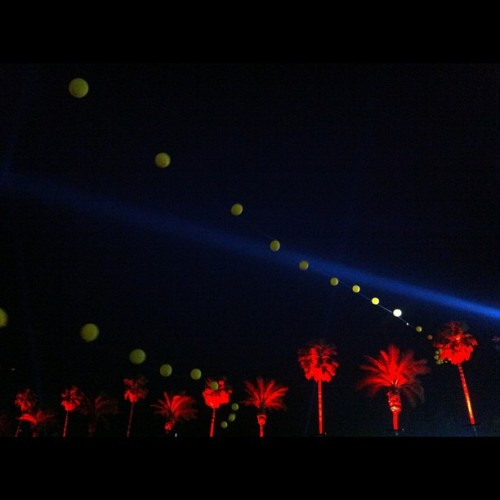 Waiting for FOALS to start. #balloons #Coachella #nofilter (at Coachella Valley Music and Arts Festival)