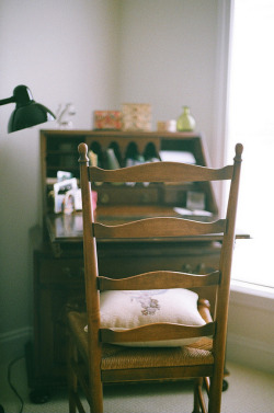 left-nut:  untitled by kyra c. on Flickr.