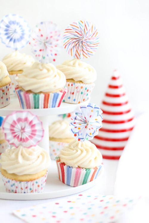 Yummy ginger ale cupcakes by Sprinkle Bakes. Find Toot Sweet Mini Pinwheel Toppers at HeyYoYo.