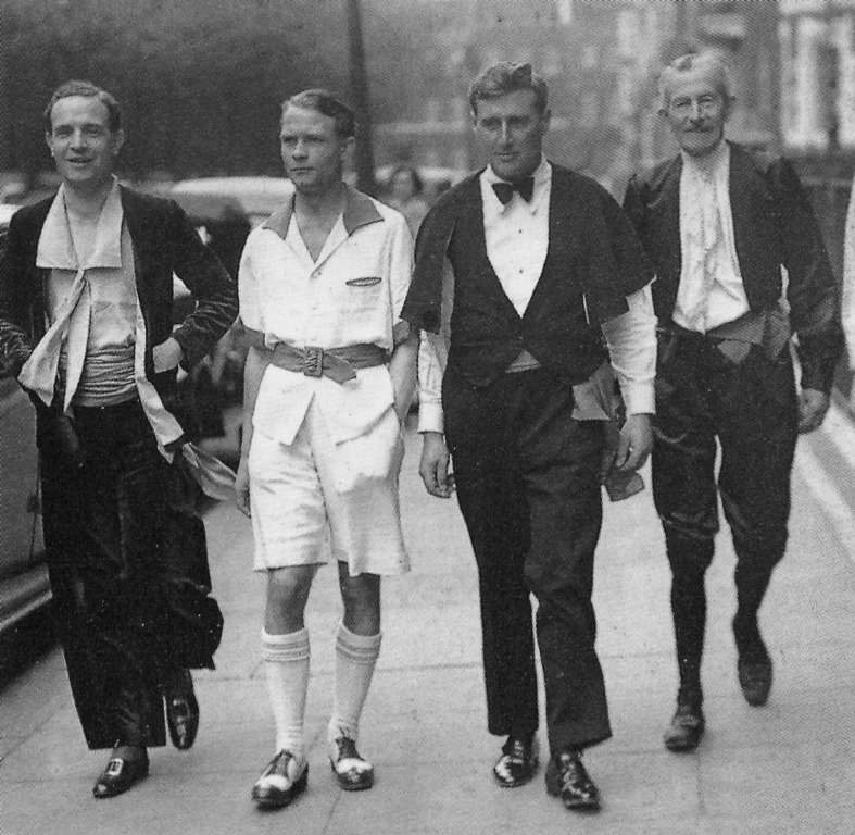 Membres du Men's Dress Reform Party, à Londres en juillet 1937