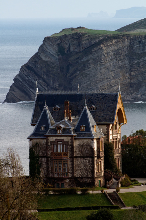travelingcolors:  Casa del Duque in Comillas, Cantabria | Spain (by David Ballesteros)