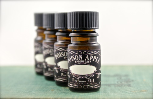 Last Day to for 5ml Bottles at 15% off!Have you picked up your Poison Apple Apothecary 5ml bottles for 15% off yet?  If not, you had…View Postshared via WordPress.com