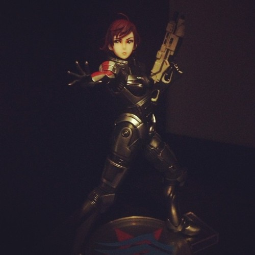 admireinspire:  Newest addition to my figures collection: Commander Shepard. I love this.