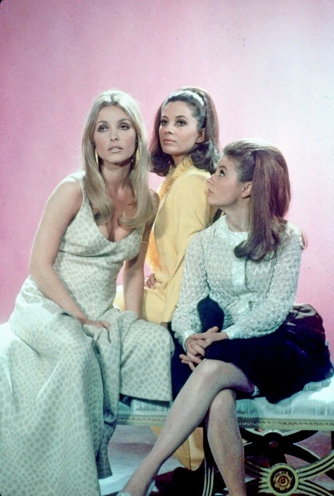 living70s:   Sharon Tate, Barbara Perkins, and Patty Duke in Valley of the Dolls (1967)