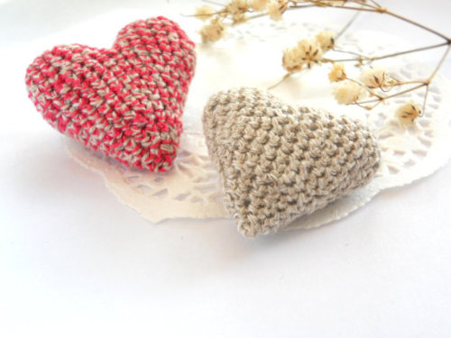 Pink and grey crochet heart brooch Valentine hearts by EjaEjovna