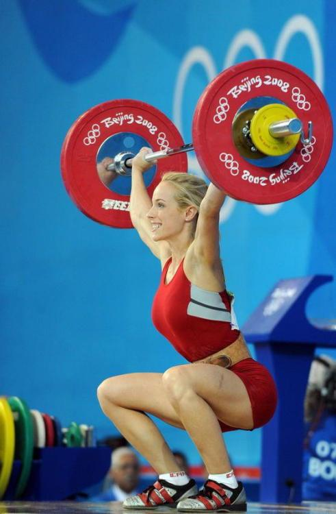 bossfit:  Canadian weightlifter, Marilou Dozois-Prévost.     This person is gorgeous and I've never seen someone look so happy while lifting. I usually am making a pooping face.