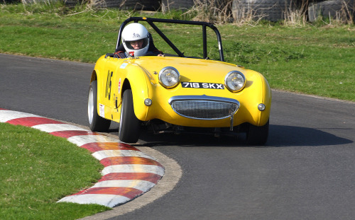 Hunt for the apex Starring: Austin Healey Sprite Mk1 (by roger@deepcar)