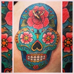 A super fun sugar skull for Katie @kteffingjay after her trip to Mexico 🌵💀🐬 (at Inktricate)