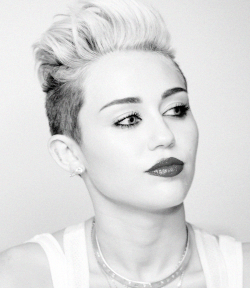 1k Black and White fashion Celebs MY EDIT miley cyrus makeup