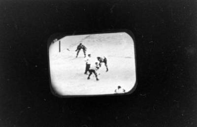One of the first televised Blackhawks games, 1947, Chicago. Wallace Kirkland. Doesn't seem like winter without hockey…