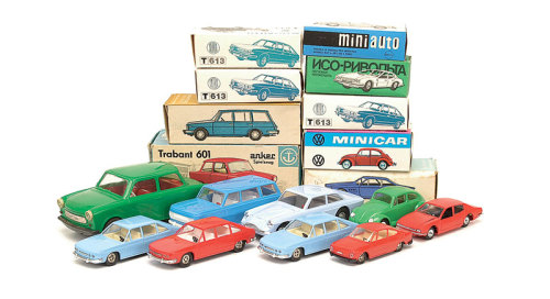 chromjuwelen:  (via Soviet Toy Cars)  Iso Rivolta (!)