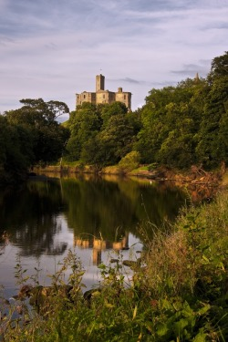 pagewoman:    Warkworth Castle by newcastlemale.dev… on @deviantART