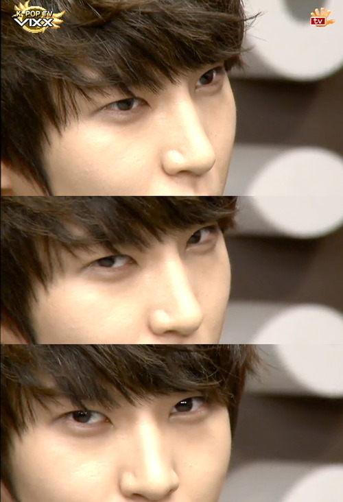 jagiyajem:  Sexy gaze of Jung Taekwoon a.k.a Leo Credit to owner.  *Faint*