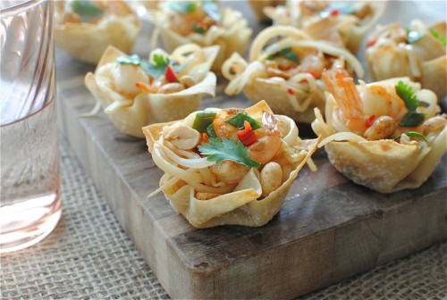 foodopia:  shrimp pad thai cups: recipe here