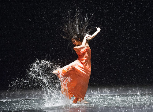 (via Free rain: Pina Bausch's Vollmond at Sadler's Wells - in pictures | Stage | guardian.co.uk)