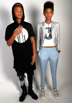 Jaden & Willow Smith  luv luv luv
