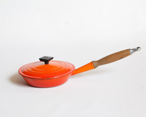 (via Vintage Le Crueset Cast Iron Enamel Frying Pan by lastprizevintage)