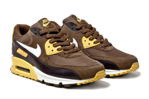 "Nike Air Max 90 ""Mighty Hawks"" Taken inspiration from the bird of prey. the ""Might Hawks"" is made up of a deep chocolate brown and dark khaki suede and mesh upper with a splash of bold yellow to give it some extra colour. The edition will be hitting retailers soon, so keep an eye out!"