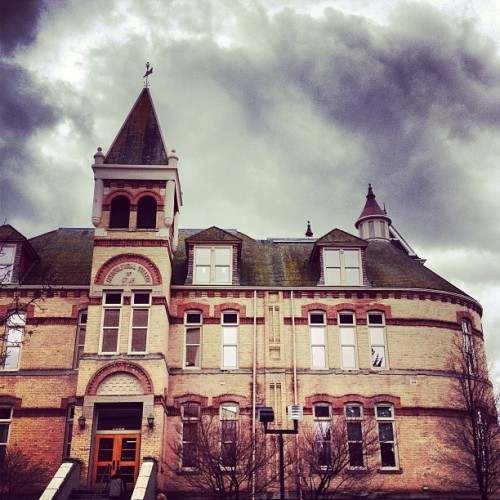 It's a beautiful, cloudy day! #loganutah #utah #aggielife #aggies #oldmain #collegelife #cloudy http://bit.ly/13d6gJ6