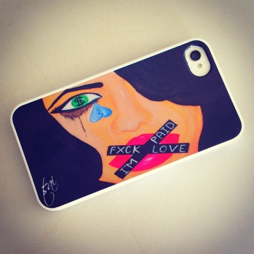 lustt-and-luxury:  If you want this dope ass phone case , visit suetsai.com  now !