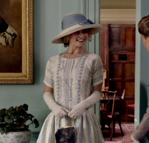 Lady Rose McClare (Lily James) Blue & white dress & hat.. Downton Abbey (2011-2015).. Costume by  Anna Robbins. #rose macclare#lily james#downton abbey#anna robbins