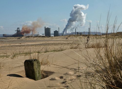 amaki09:  Back from the dead (by tedmcavoy)  Redcar Steelworks, England