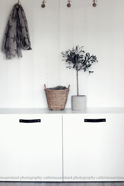 Genius diy ikea hack - add leather handles to ikea besta … Beautiful  Tx to klijn's Pinterest