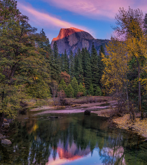 Last Light on Half Dome by mojo2u on Flickr.