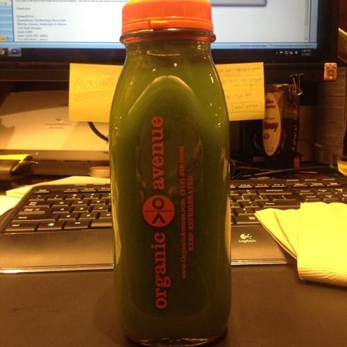 Perk it up at work! Go #GreenLOVE @nobodybutsteph http://on.fb.me/WYssEc