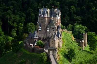 #eltz_castle, #castle, #eltz, #germany, #europe, #travel, #landscape, #nature