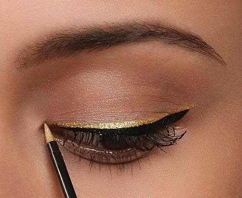 sweetbreeeze:  Gold & Black Lined on @weheartit.com - http://whrt.it/ZNsnU7