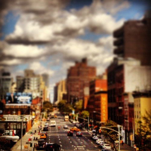 Like miniatures.  #latergram #tiltshift #nyc
