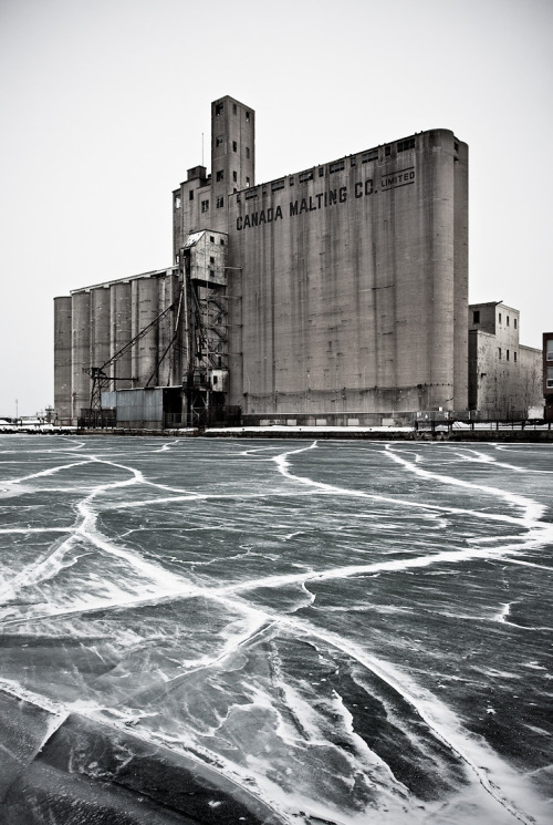 n-architektur:  silo and ice by Sam Javanrouh