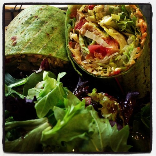 Vegan curried chicken spinach wrap. Get in me now! #redvelvetcafe #vegan #vegas #vegansofig #whatveganseat #veganfoodshare