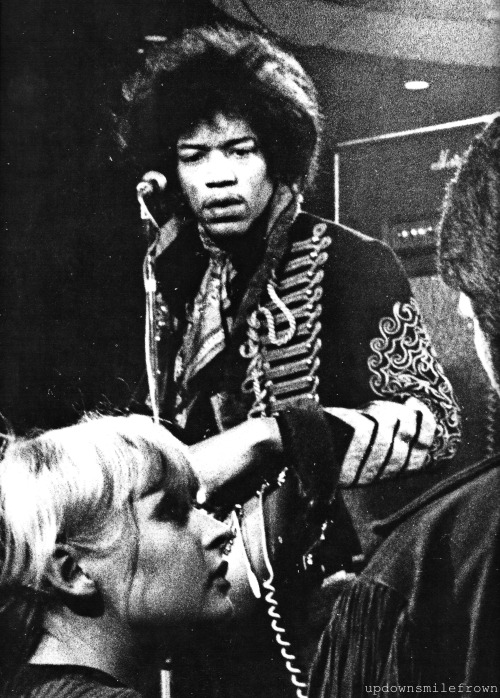 updownsmilefrown:  Jimi Hendrix in London, 1960s
