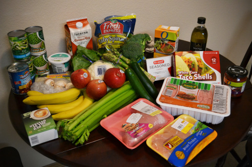 Grocery Haul! Husband and I got a Safeway gift card for Christmas ($100!), so I decided to prepare for the new year the right way! The comprehensive list:PeasGreen BeansVegetable SoupPasta ZeroChive cream cheeseAlmond MilkMushroomsBananasApplesSteviaCeleryCauliflowerRomaine LettuceAsparagusBroccoliBaby SpinachZucchiniPork LoinChickenGround Turkey 85/15White Corn Taco ShellsSeasoned Ry-Krisp CrackersChicken BrothExtra Virgin Olive OilFire Roasted Salsa  All for $75! Not bad for Safeway, honestly.
