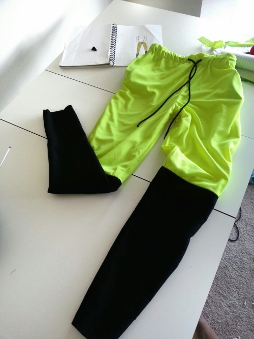 acnae:  bronxcouture:  Fashion sweats by KYRA I like these, I want.  amazing