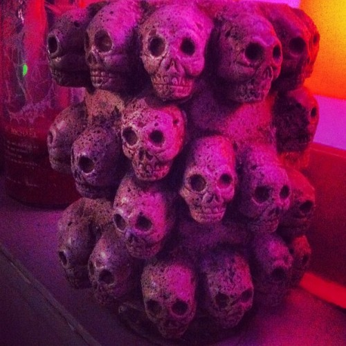 Awesome #skulls vase. I want one.