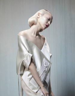 bienenkiste:  Soo Joo by Katja Mayer for The Sunday Times Style