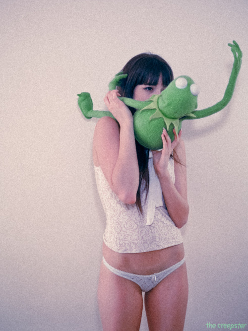 mika + a frog + the creepster ii