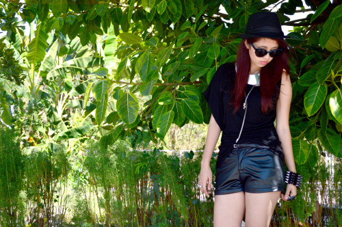 New outfit post on my new blog, featuring black on black! www.gelabeansss.wordpress.com :)