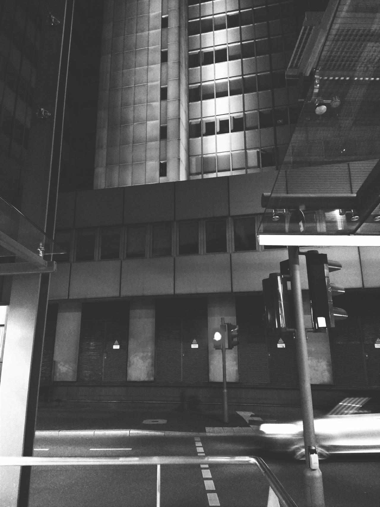 #zoom swoosh  #city #urban #citylife #night #architecture #cityhall #street #lights  #stadthaus #bonn #germany #zoom#city#urban#citylife#night#architecture#cityhall#street#lights#stadthaus#germany