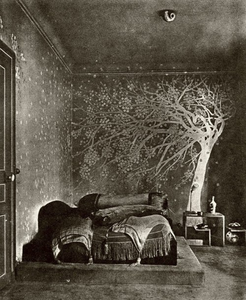 maudelynn:  Paul Poiret designed bedroom , c.1924