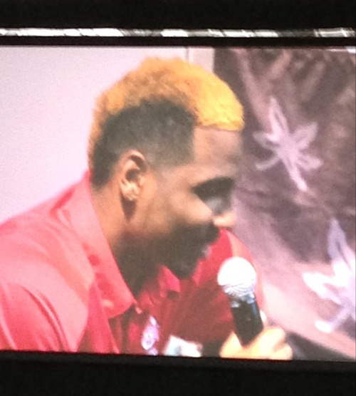 Braxton Miller unveils his new blonde mohawk