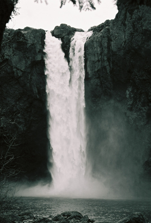 j-m3s:  Snoqualmie Falls (by ksurfiws)