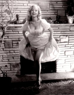 theniftyfifties:  Betty Brosmer