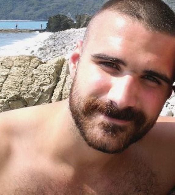 2018-06-04 05:22:58 - hairygingerman cute beardburnme http://www.neofic.com